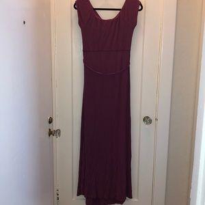 Jessica Simpson Dresses - Berry Colored Jessica Simpson maternity maxi dress